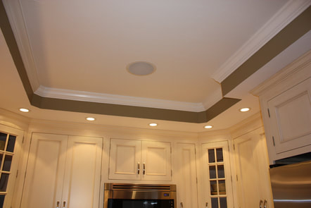 crown molding with accent lighting